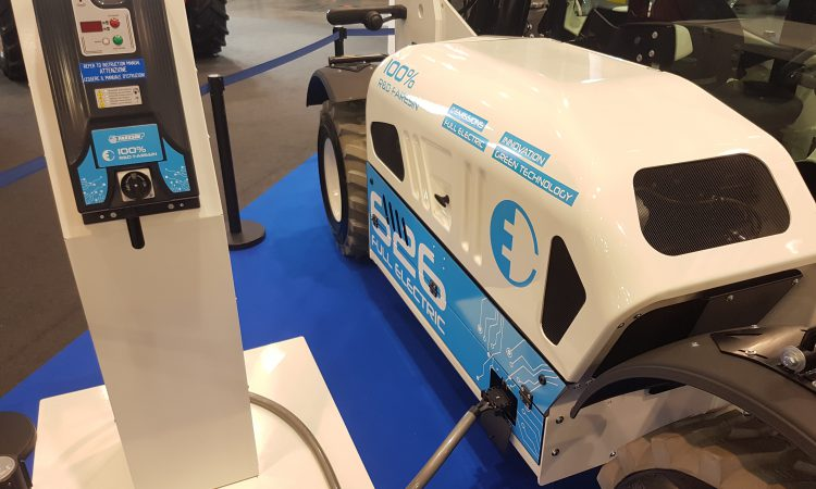 'Shock' news: Faresin shows off its electric telehandler