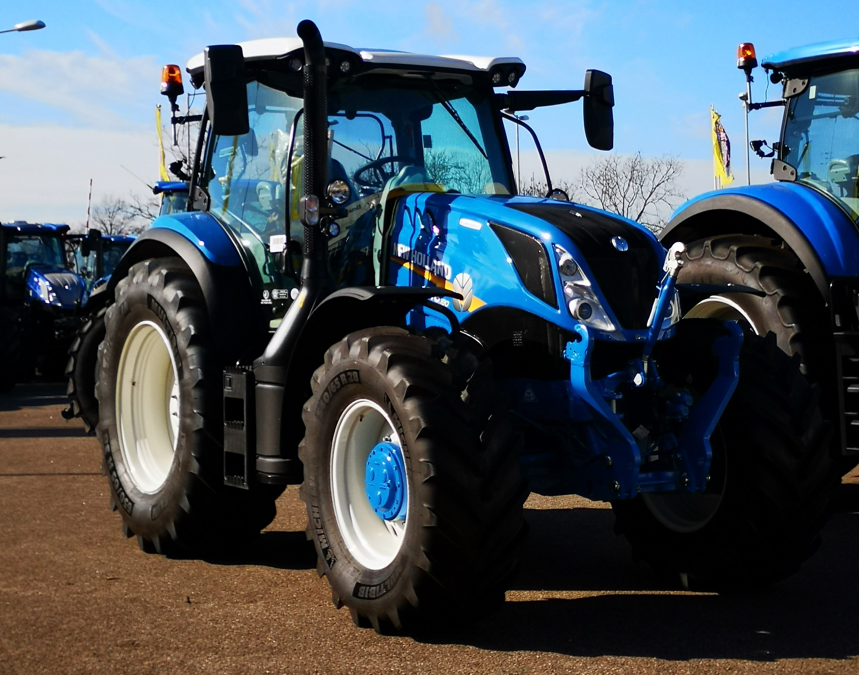 New Holland Ford >> Update Ford T6 Harks Back To The Days Of The 10 And 40