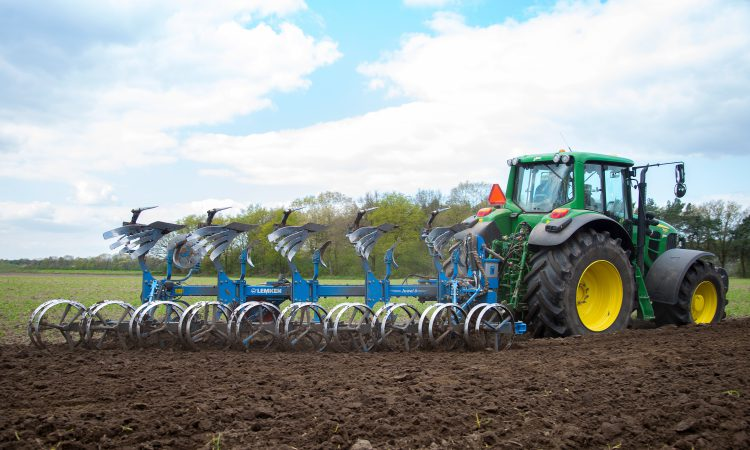 Experiencing the future of ploughing with the Lemken Juwel 8 TCP