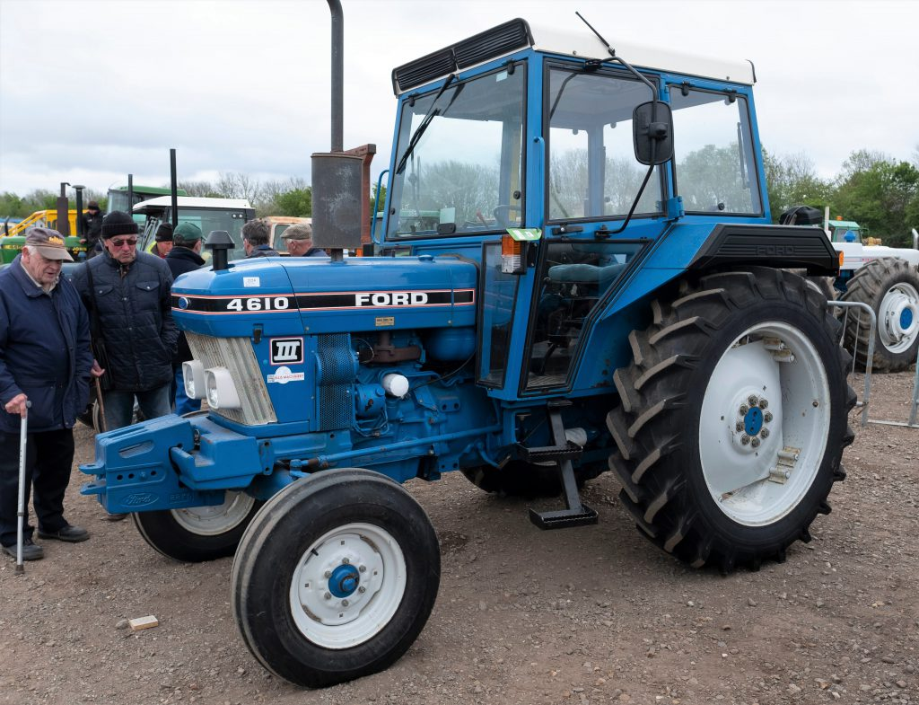 Ford And Ford Auction >> Auction Report 16 000 For A Ford 4610 With Less Than 1 000