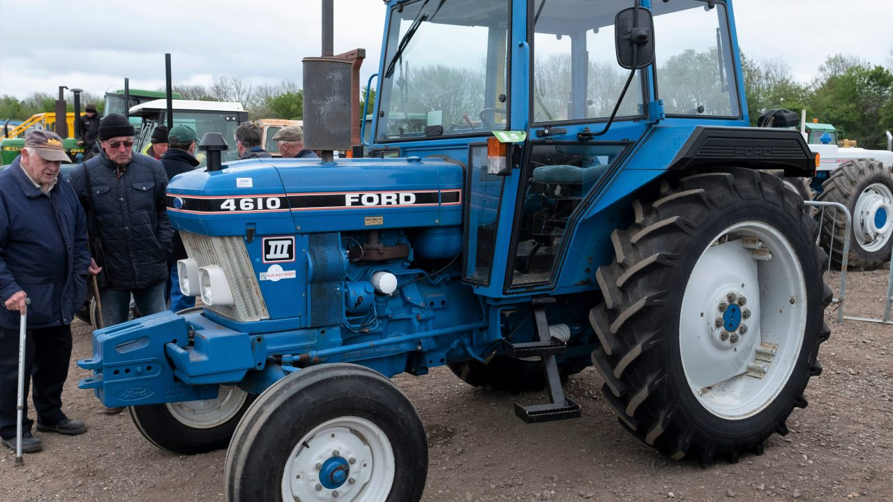 Auction report: £16,000 for a Ford 4610 with less than 1,000 hours