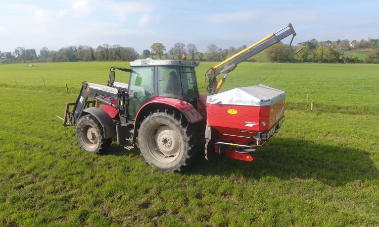 Watch: Spreading fertiliser with ease and accuracy in Co. Limerick
