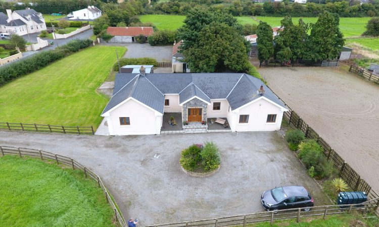 Ballingarry property offers proximity to Gurteen college