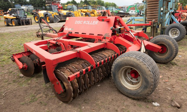 Auction report: 'Lukewarm' bidding for mix of tillage and grass machinery