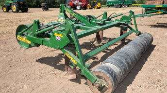 Auction report: 'Brisk bids' for power-hungry tillage machinery
