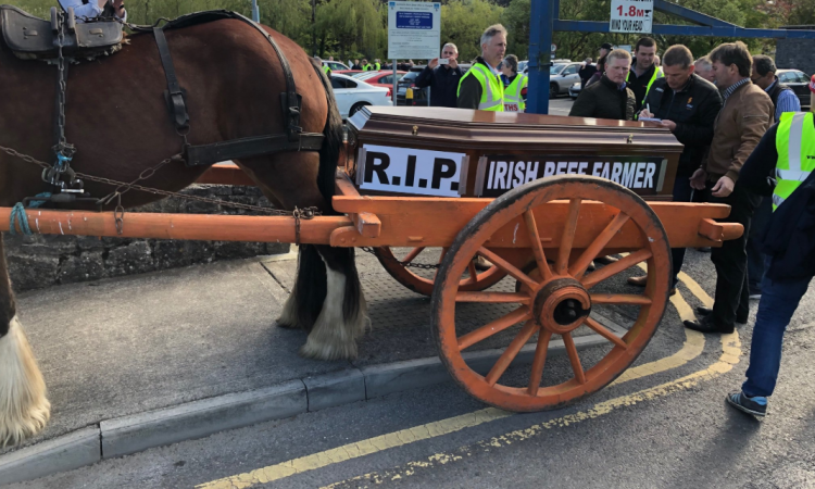 Beef Plan Movement stages mock funeral for the sector