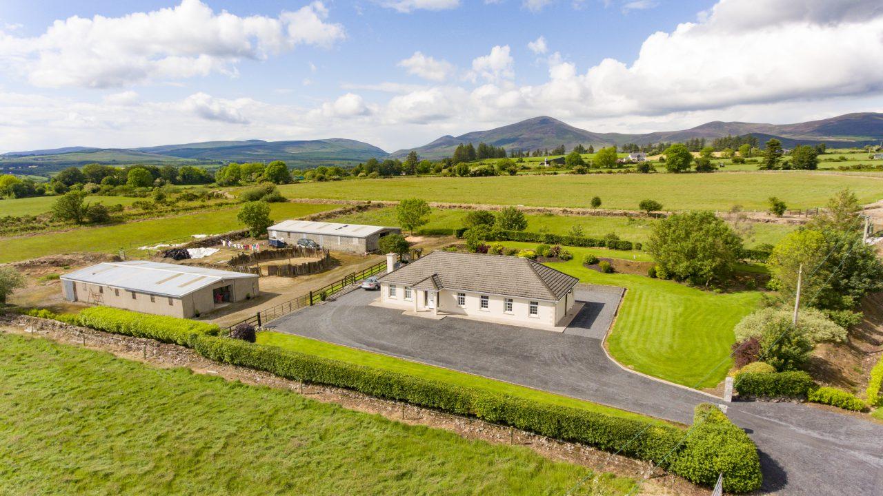 14ac Cooladalane property set in 'heart of national hunt racing'