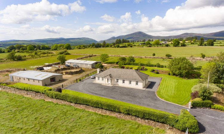 14ac Cooladalane property set in 'heart of national hunt racing'
