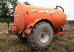 Auction report: Mix of 'on-site' machinery sells; but for how much?