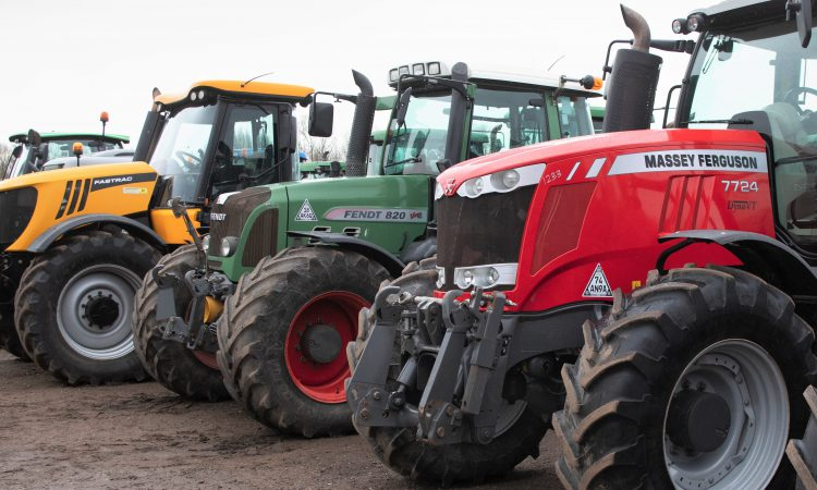 How many tractors have passed or failed roadworthiness tests?