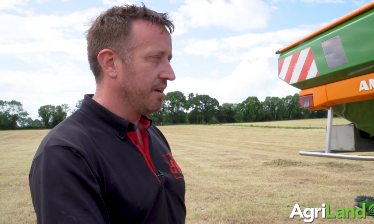 Video: Calibrate your fertiliser spreader…using your phone