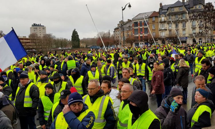 Diesel and electricity tax hikes 'could spark yellow vest-style protests'