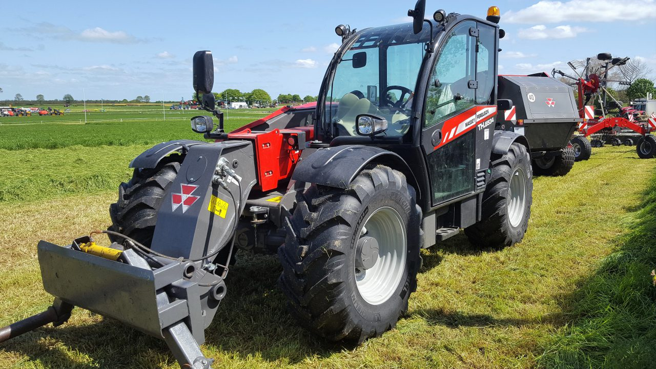 Sales of telehandlers are up; but loading shovels are down