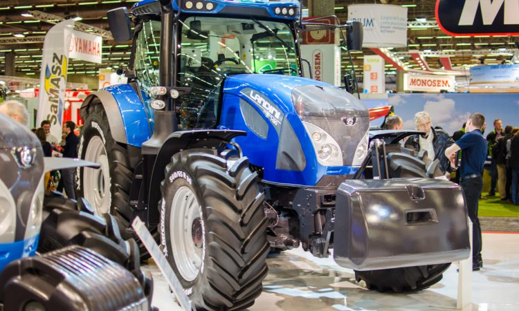How many new tractors are selling in the UK?