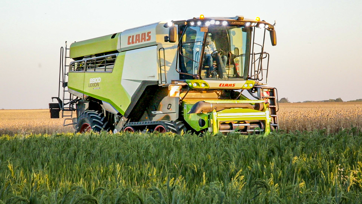 Video: Flagship Claas Lexion gets a 790hp MAN engine - Agriland ie