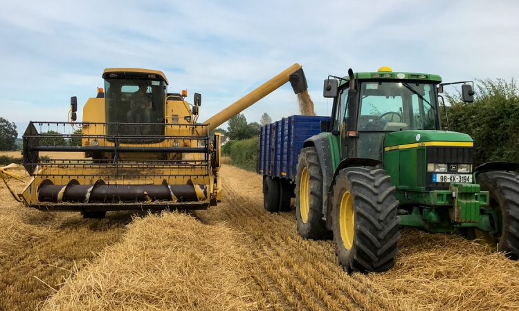 Tillage focus: Harvesting barley on a farm converting to direct drilling in Co. Kilkenny