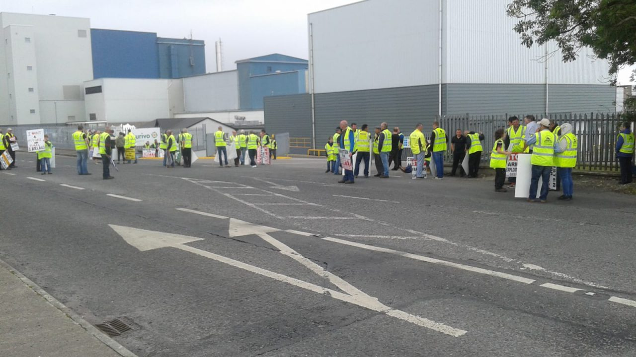 Beef Plan protests move to Cavan while Nenagh picket resumes