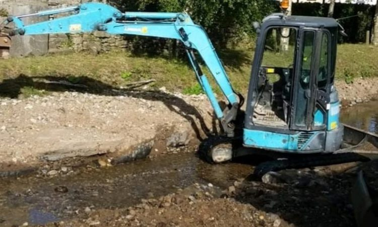 Mini digger stolen from Glanbia factory site