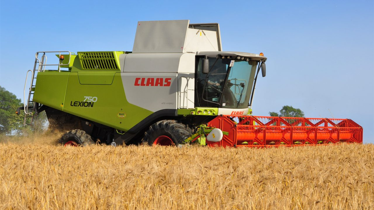 Claas and Continental field-test 'smart' drive-belts for combines