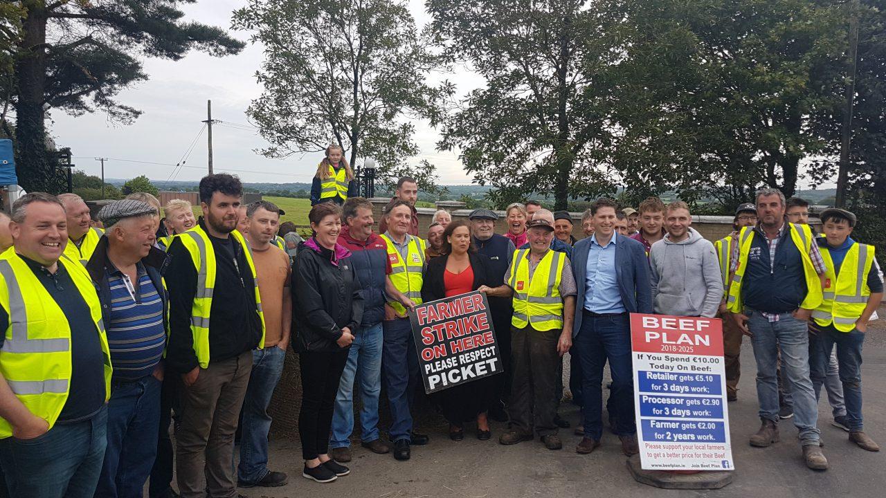 Sinn Féin party leader meets Beef Plan protesters