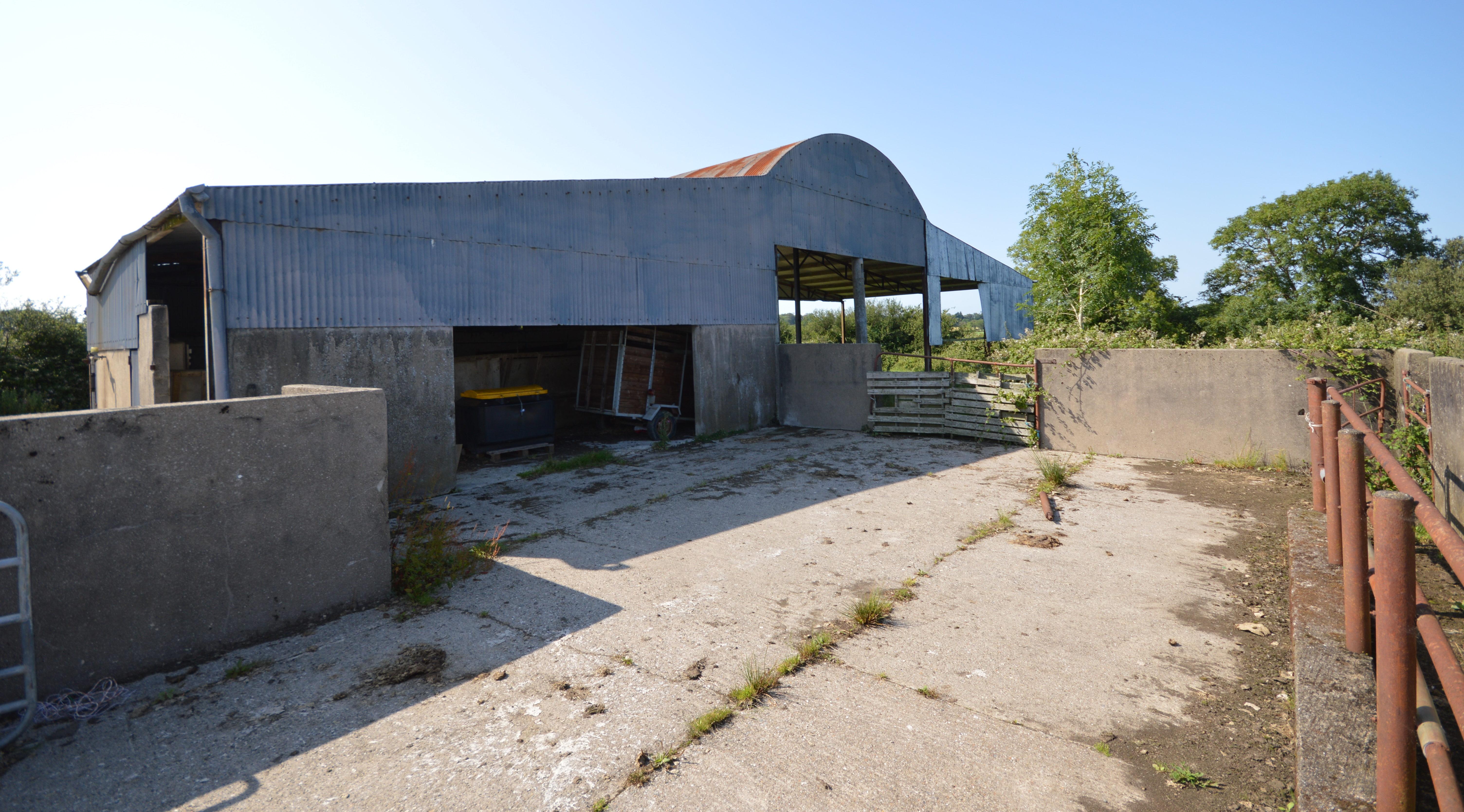 19ac Kilmuckridge residential farm with outbuildings for