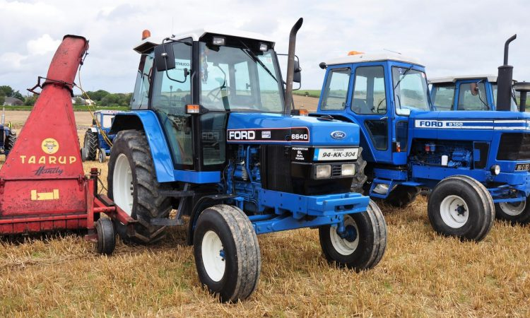 Pics: Desirable 'working classics' of all hues at De Courcey Harvest Day