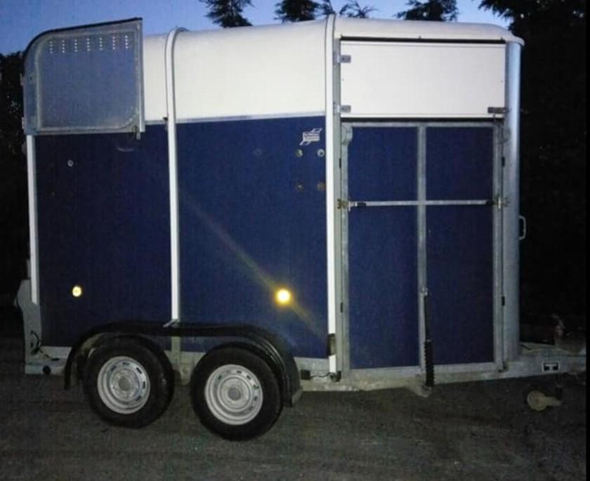 Horsebox stolen in the midlands prompts Garda appeal