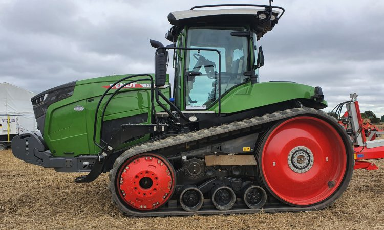 Pics: No shortage of horsepower at Fendt 'Field Days'