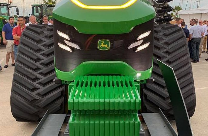 New driver-less 'concept' tractor from John Deere breaks cover