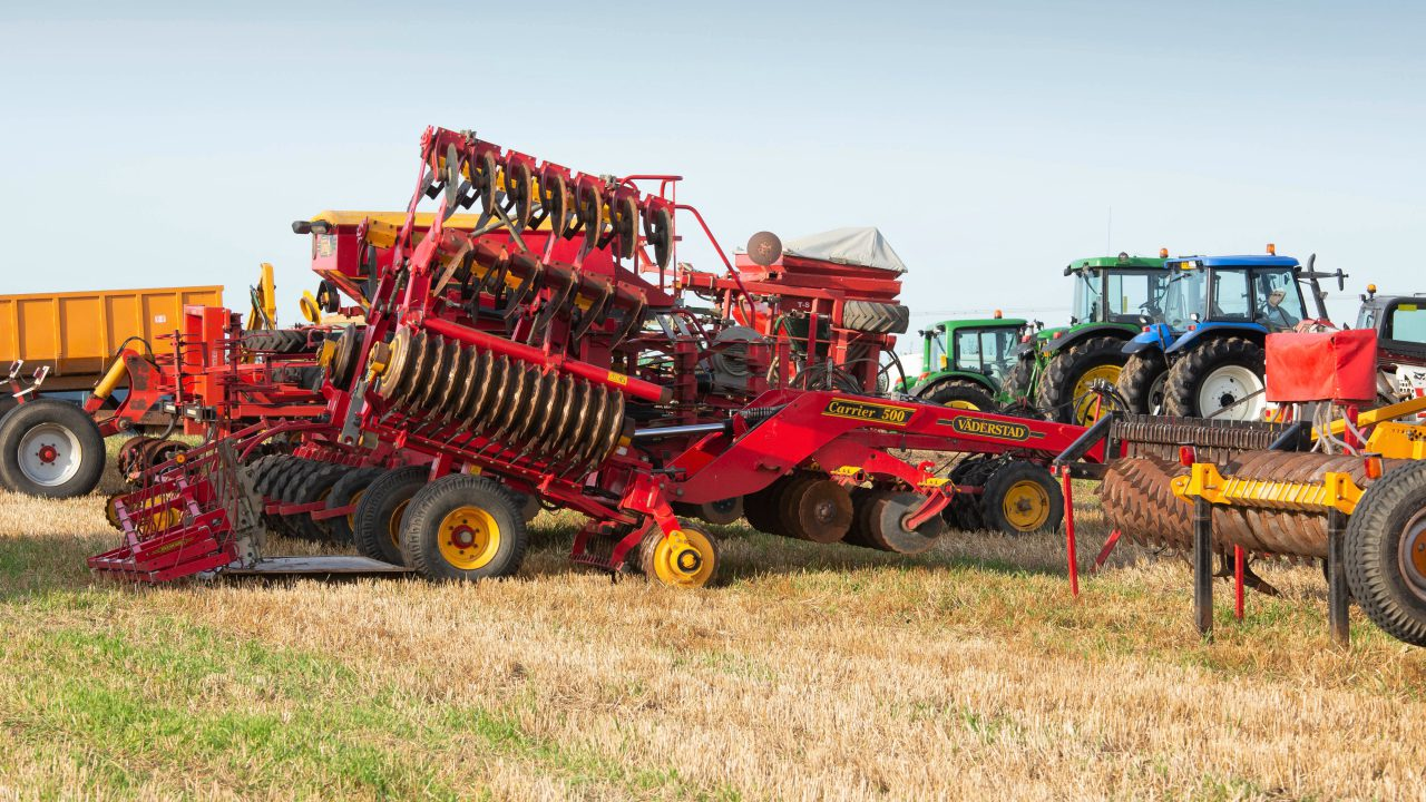 Auction report: Tillage and other machinery changes hands at 'on-farm' sale