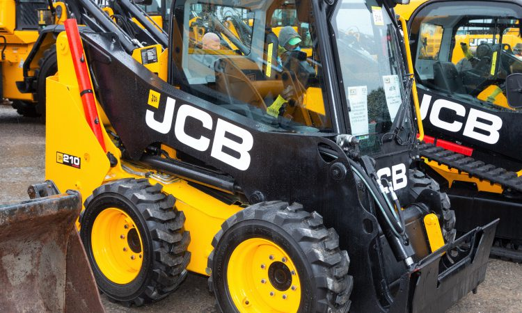 Auction report: Pint-sized JCB handlers go 'under the hammer'