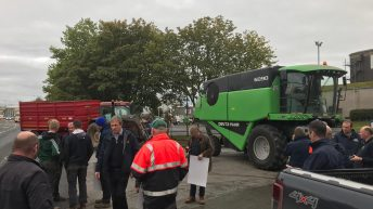 IFA mounts protest at Portlaoise mill over 'unfair grain price'