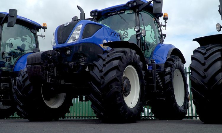 Video: 'Why is the T7.210 the best-selling tractor in Ireland?'