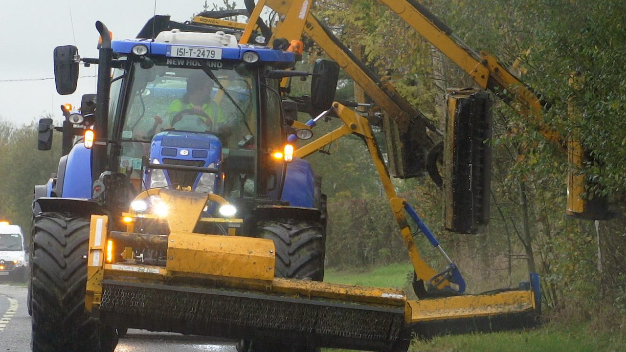 Video: Running a 'double-edged' hedge-cutting convoy in the south-west