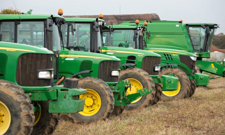 Auction report: 'Sea of green' draws a crowd to this on-farm sale