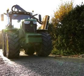 警方呼吁驾驶人士于砍伐树篱季节小心驾驶