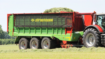 Strautmann wagon gets hydraulic pick-up, plastic tines and moving bulkhead
