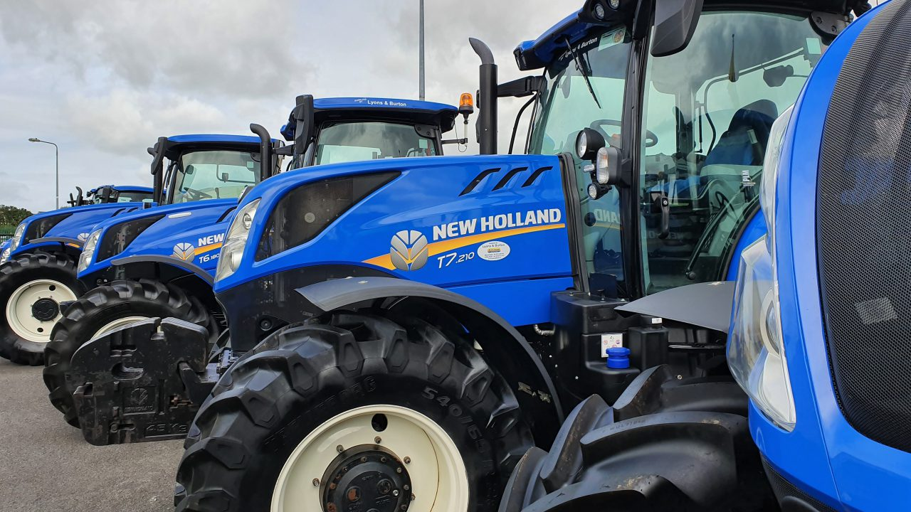 What was the best-selling individual tractor (model) in Ireland in 2019?