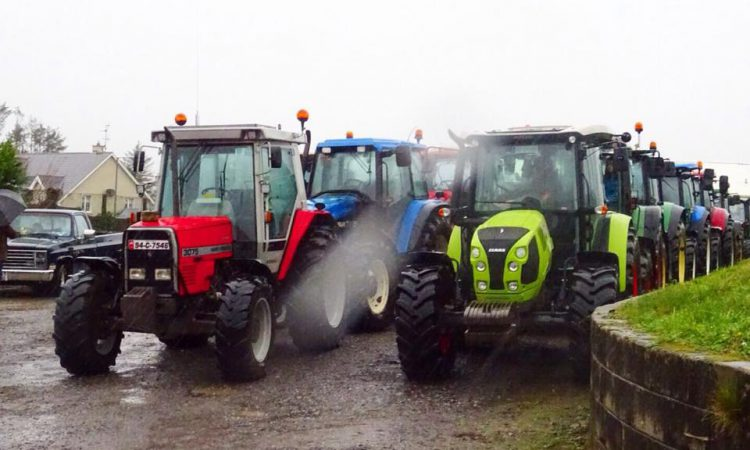 Rocking tractor run to roll in aid of air ambulance this week