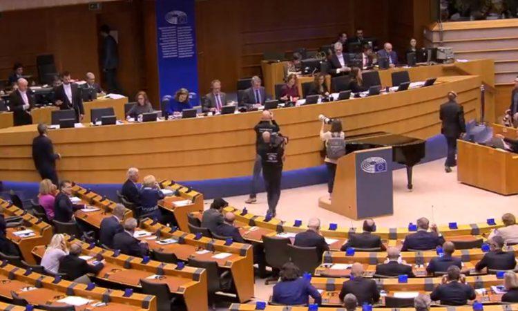 MEP warns against weakening of EU budget 'by horse-trading between member states'