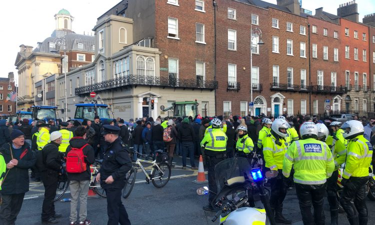 Garda 'struck' by car amidst scuffle – tractor protesters [updated]