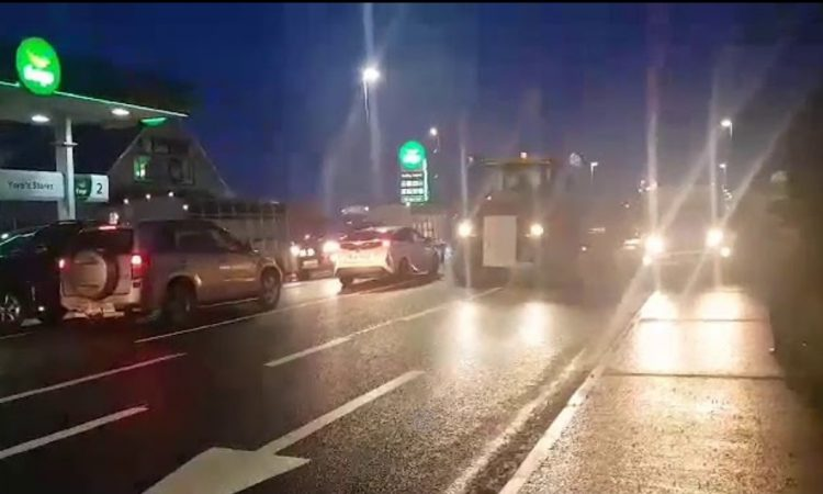 Video: Tractors gather ahead of farmer protest in Dublin today