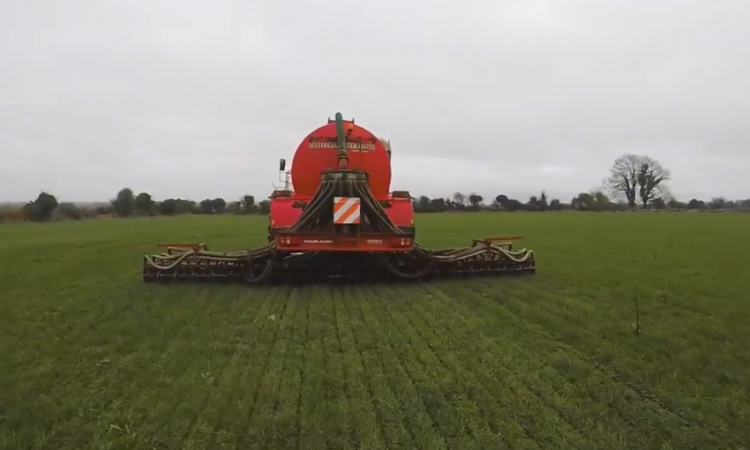 Video: How slurry application method and timing can affect on-farm emissions
