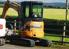 Mini digger and 2 trailers stolen from yard in Mayo