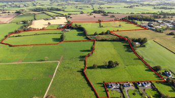 Video: 57.45ac has 'potential to develop a top-class nursery for thoroughbred horses' – for sale