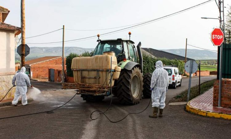 Spanish farmers aid authorities in battle against Covid-19