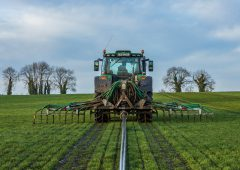 What fertiliser to I need to spread to grow a crop of first-cut silage?