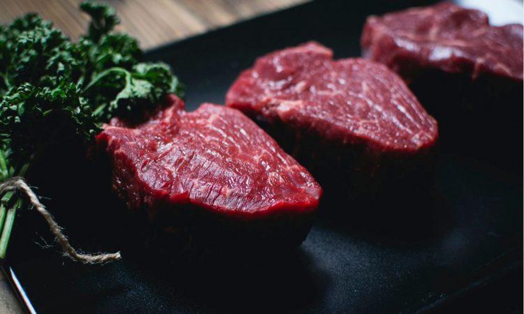 """欧盟吹捧""""的更多的植物为主的饮食习惯""""  - 配红肉少"""