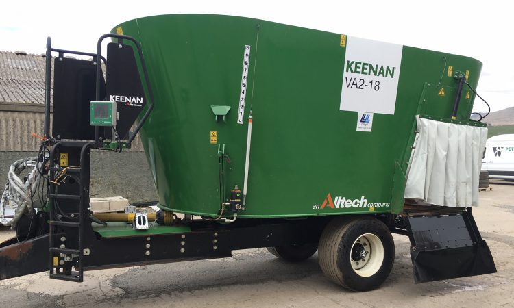 Pics: Keenan swaps open day for 10-day refurbished feeder sale