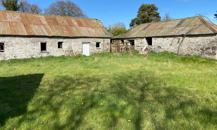 78ac residential farm well-located on the fringe of Summerhill on the market